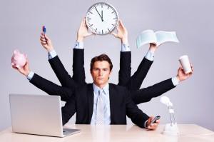 Pracuję na umowę tymczasową – czy te lata wliczą się do emerytury?