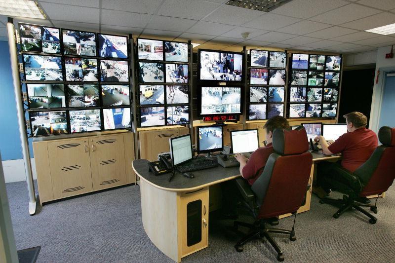Monitoring w zakładach przemysłowych – czy narusza prawa pracowników?