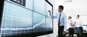 Sceptycyzm a branża finansowa – pomaga czy utrudnia?