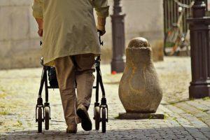 Opieka nad osobami starszymi - oferty pracy