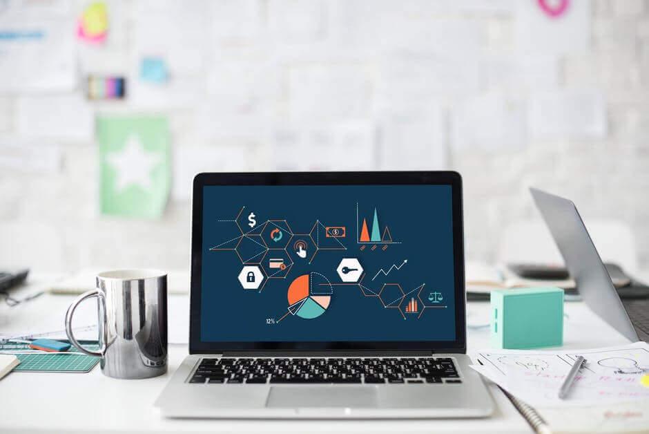 laptop jako jedyne narzędzie którego potrzebujesz do pracy