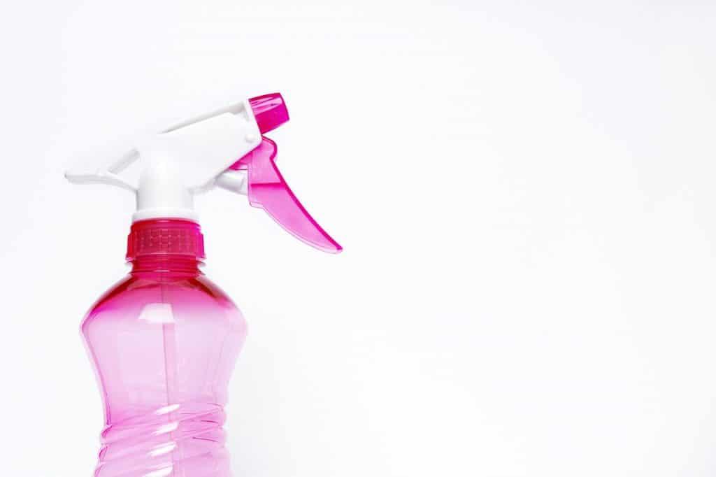 środki czystości z produktów dostępnych w domu to nie zawsze najlepsze rozwiązanie